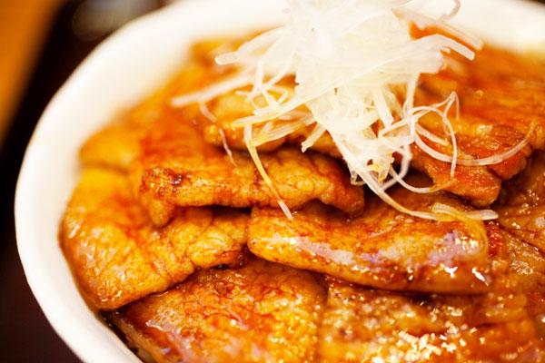 帯広名物の「豚丼」